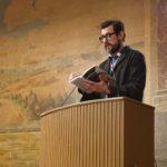 Claes Bang læser op fra bogen... Foto: NG